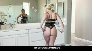 After Shower Lisey Sweet Needs A Big Dick