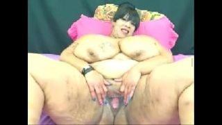 Big Ass Mature on Webcam – See more at faporn69.com