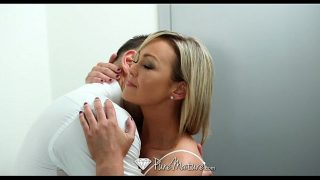 Home alone milf Abbey Brooks fucks the delivery guy